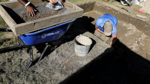 Archaeologists in Colonial Williamsburg uncover more findings at First Baptist Church site as Phase 1 of the dig ends